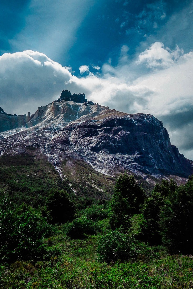 Torres del Paine - the best hiking in South America I Travel through Patagonia's spectactular national park for the ultimate adventure #traveltips #hiking #adventure #southamerica 2