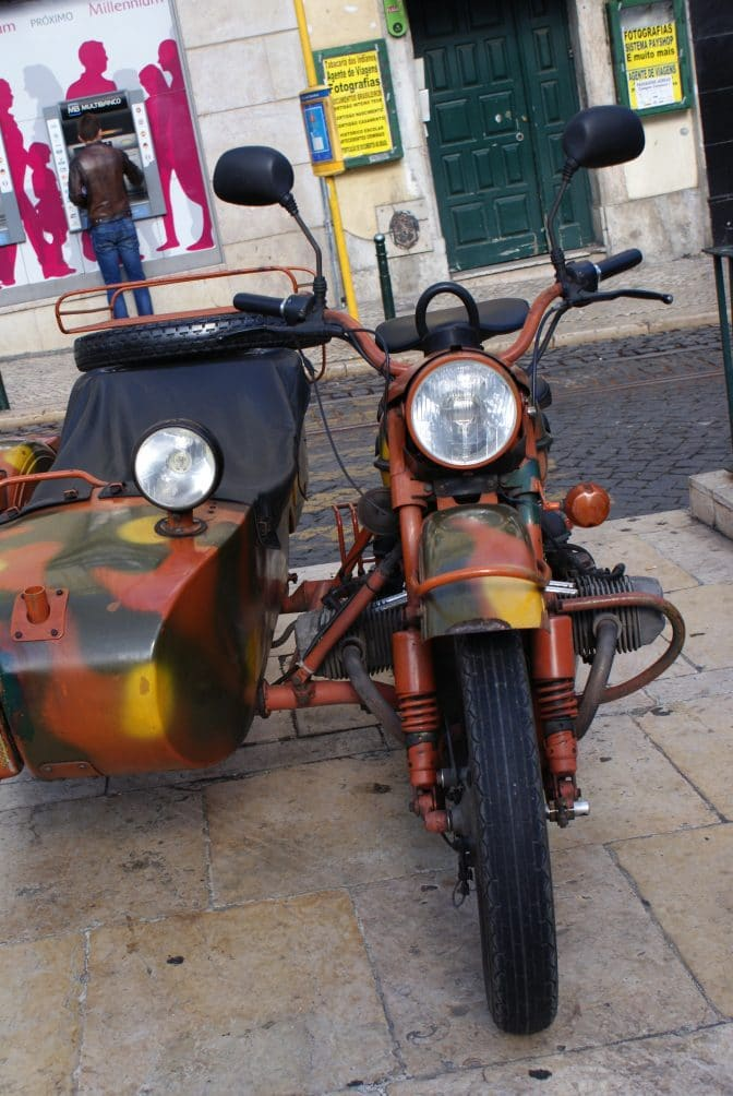Motorcycle Sidecar Tour of Lisbon