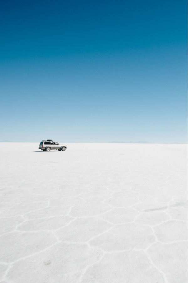 Car on the Salar de Uyuni