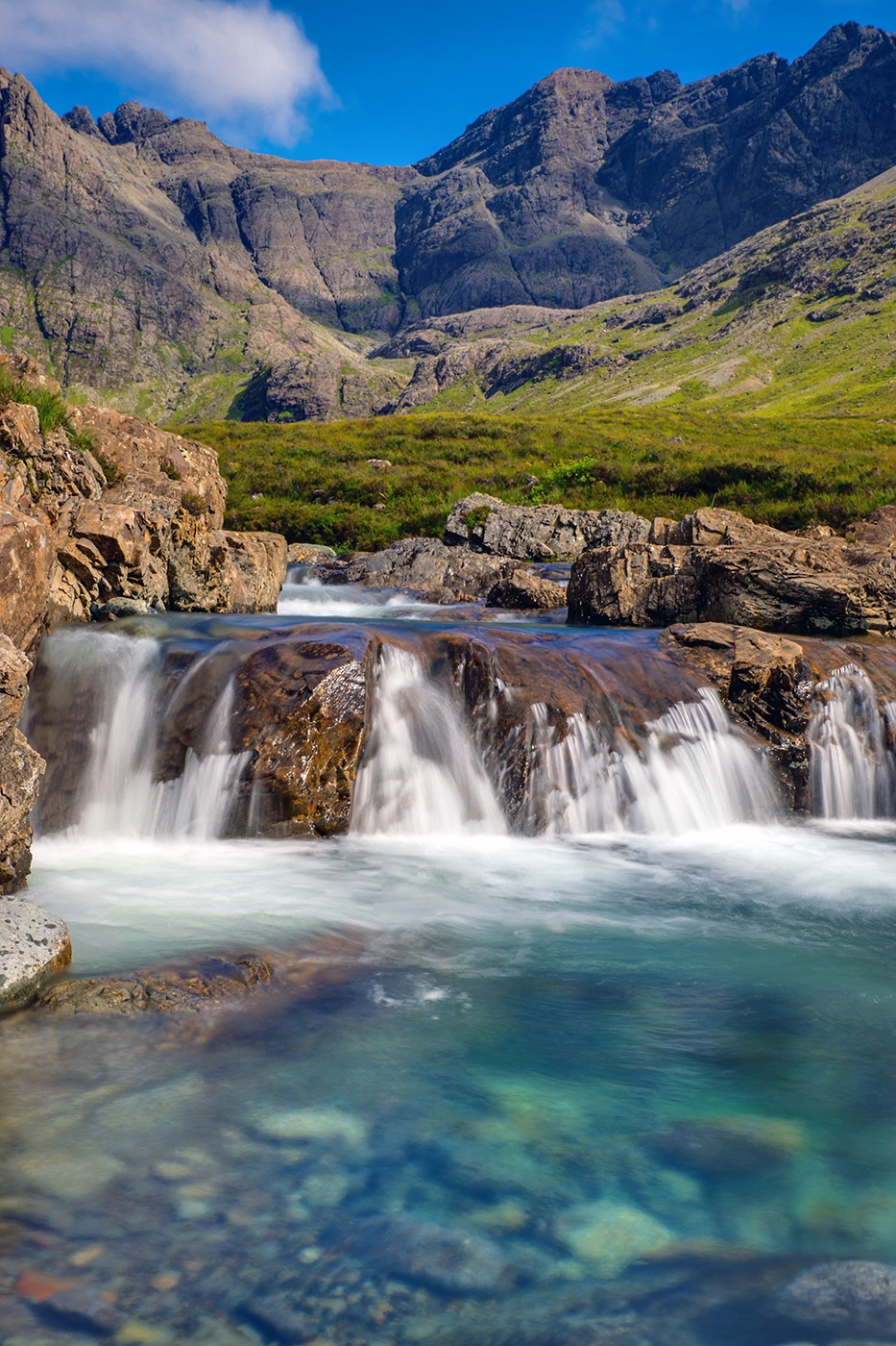 The Fairy Pools, Isle of Skye, Scotland - United Kingdom Bucket List I Travel I Culture I Beautiful Places I Great Britain #unitedkingdom #traveldestinations #wanderlust