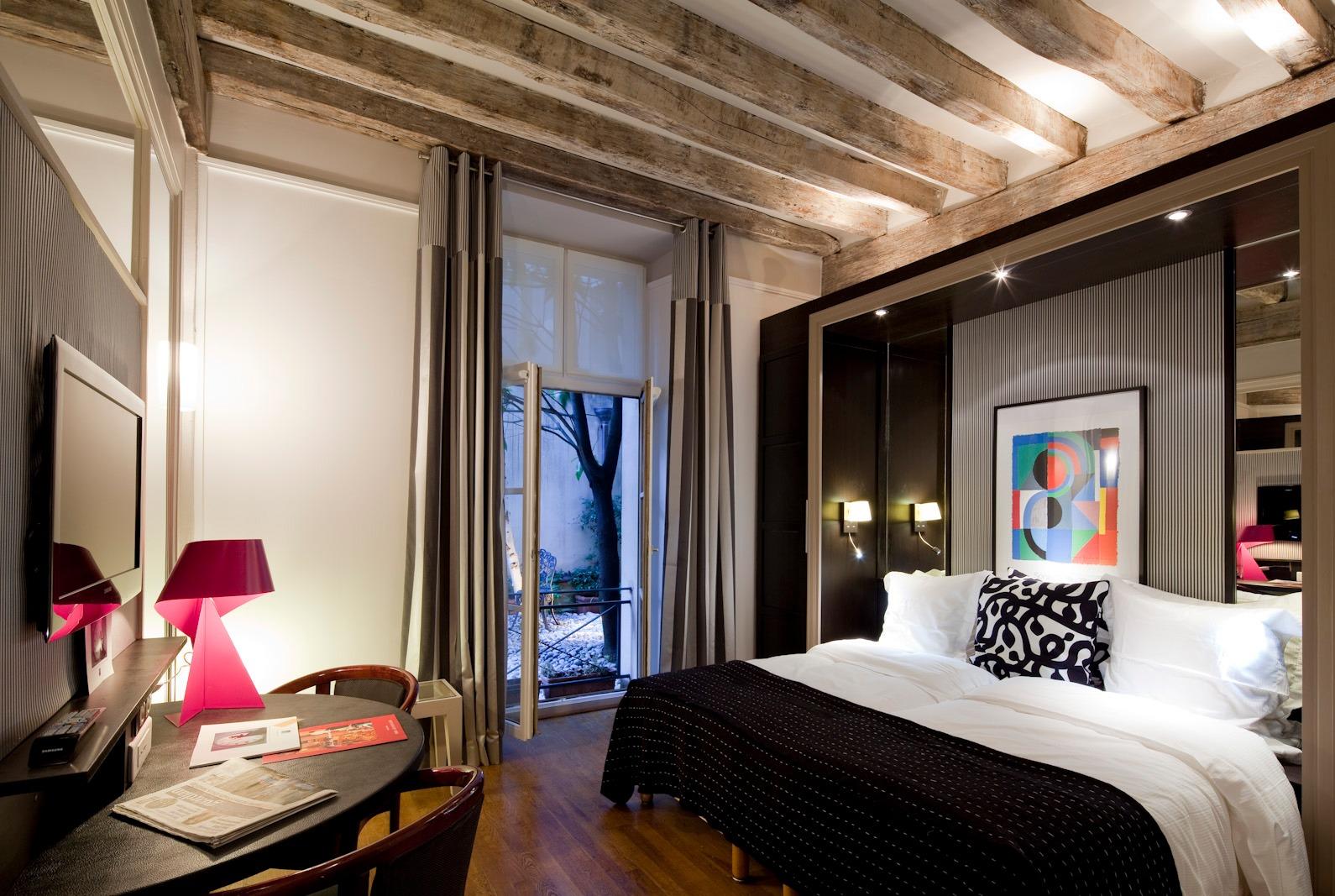 Hotel Jeu de Paume Paris
