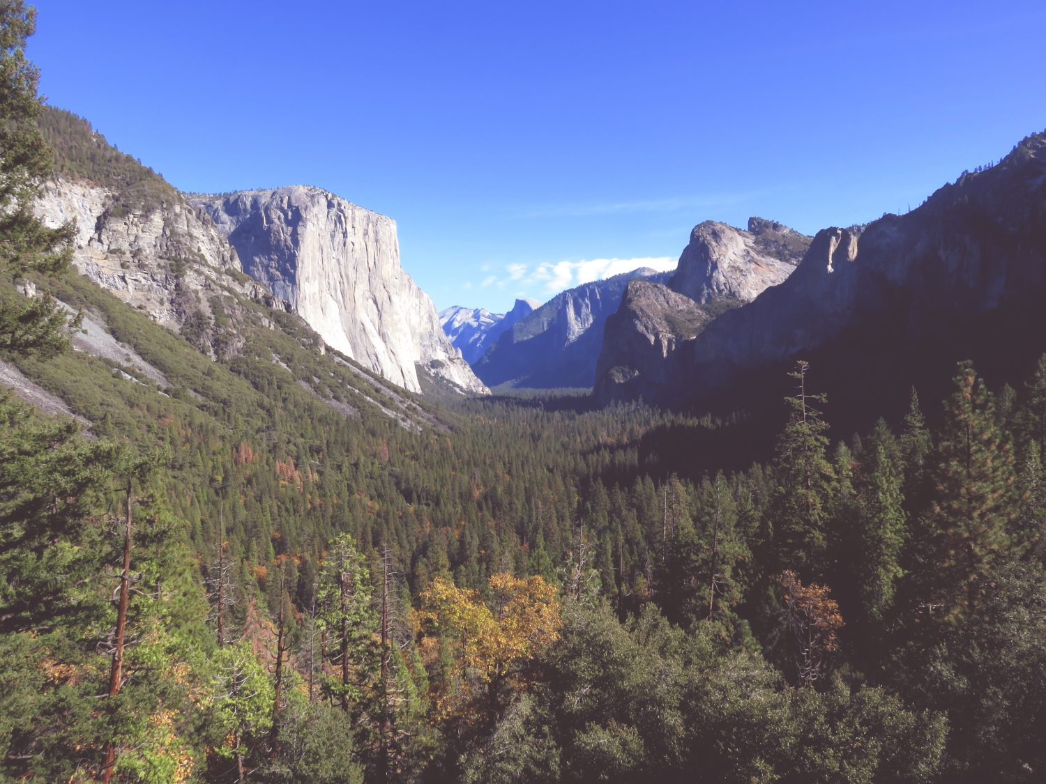 Top 10 Most Beautiful Valleys in the World - Yosemite Valley. Read the full guide.