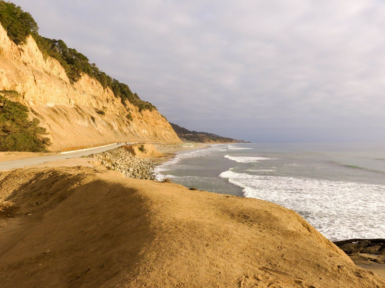 Oregon coastline. West Coast USA Road Trip Guide. Everything you need to know to plan your Highway 1 road trip. Read now.