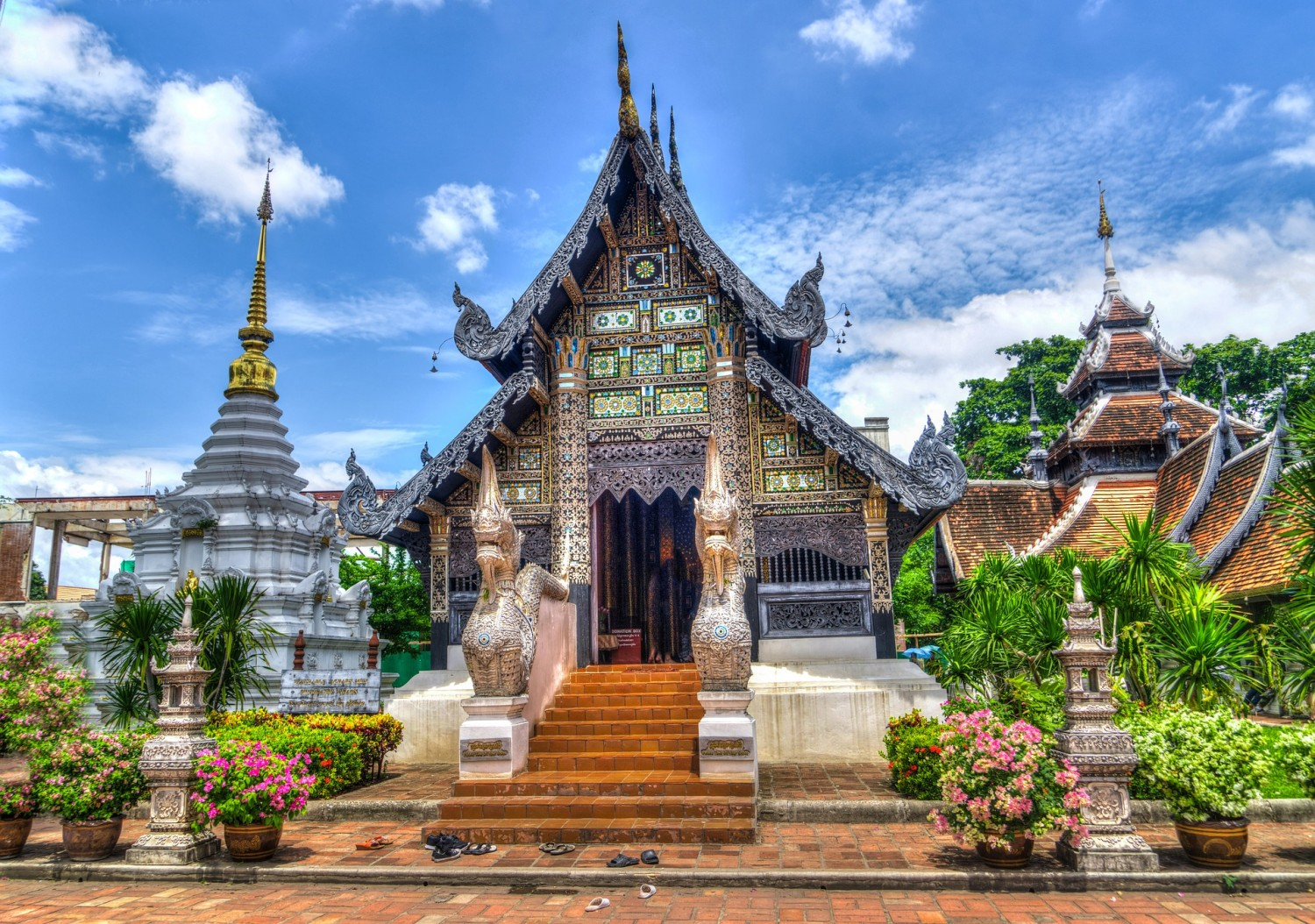 Chiang Mai. Four awesome Southeast Asia travel itineraries I Photography I Itinerary I Landscape I Food I Architecture I Laos I Thailand I Cambodia I Myanmar I Malaysia I Vietnam. Read the full travel guide now #travel #backpacking