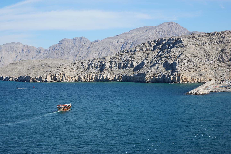 Boat trip to Oman from Dubai