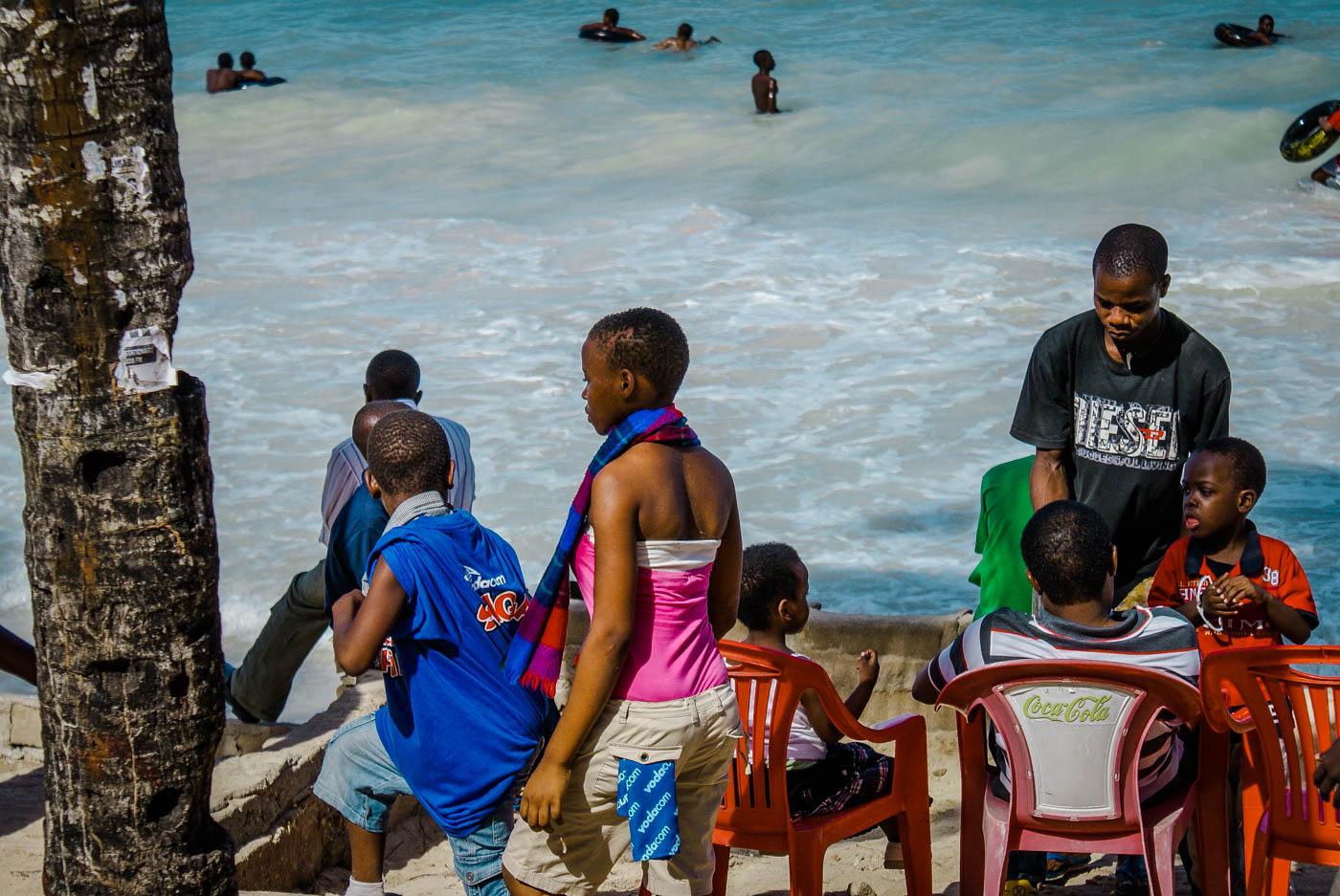 Coco beach - Dar Es Salaam Tanzania and Zanzibar - an exotic adventure. Beaches I Stone Town I Africa Travel I Dar Es Salaam #traveldestinations #traveltheworld #tanzania