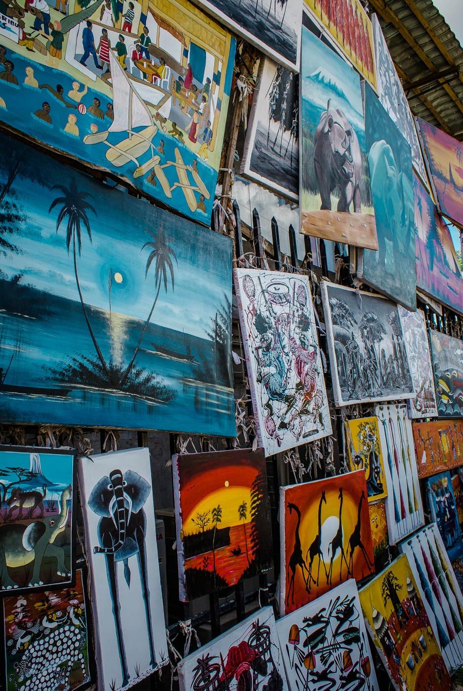 Art hundintg - Tanzania and Zanzibar - an exotic adventure. Beaches I Stone Town I Africa Travel I Dar Es Salaam #traveldestinations #traveltheworld #tanzania
