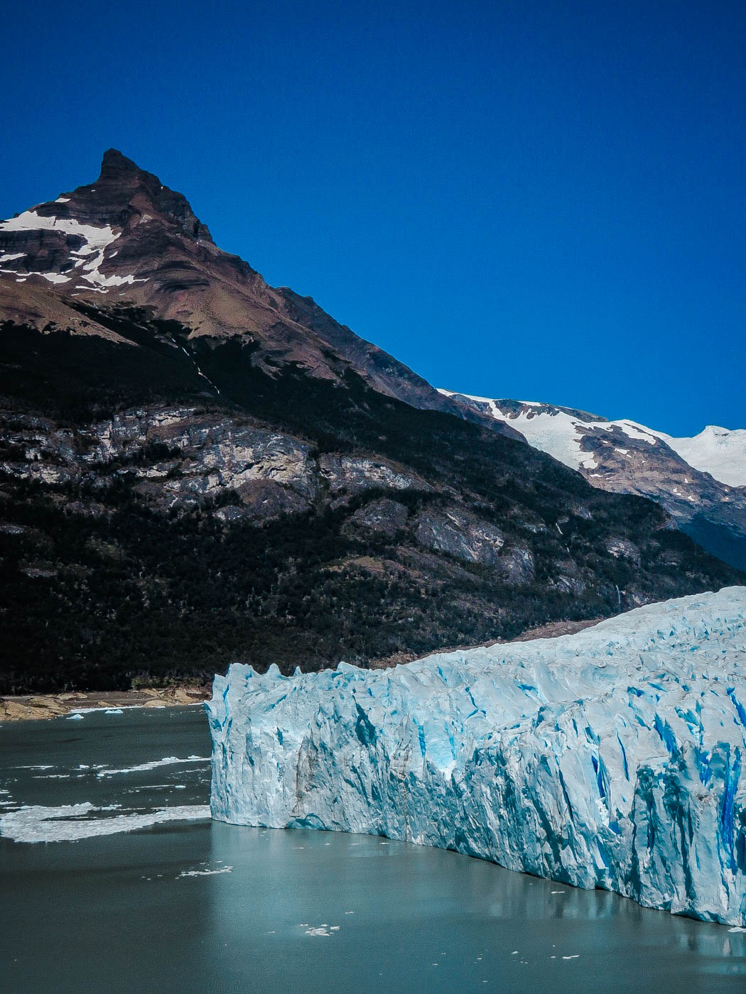 Glacier Perito Moreno I South America Travel Bucket List. 90 Awesome Things to do in South America When Backpacking and Travelling #southamerica #bucketlist #traveldestinations