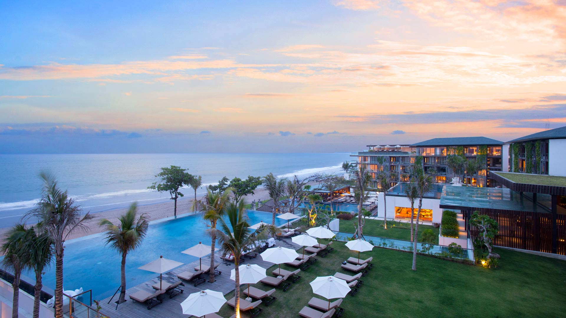 Where to stay in bali the best hotels in bali 2018 the for Best luxury hotel in seminyak bali