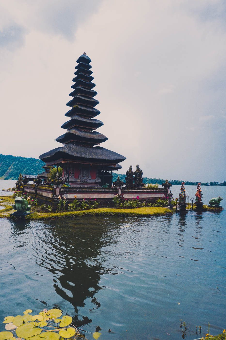Ulun Bratan Bali Itinerary #traveldestinations #bali #beautifulplaces