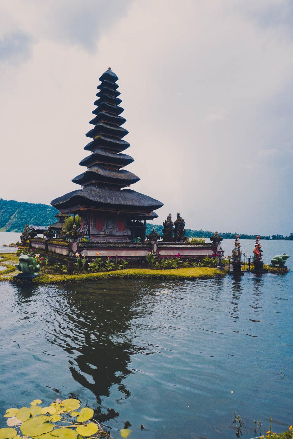 Ulun Bratan Bali Itinerary #traveldestinations #bali #beautifulplaces