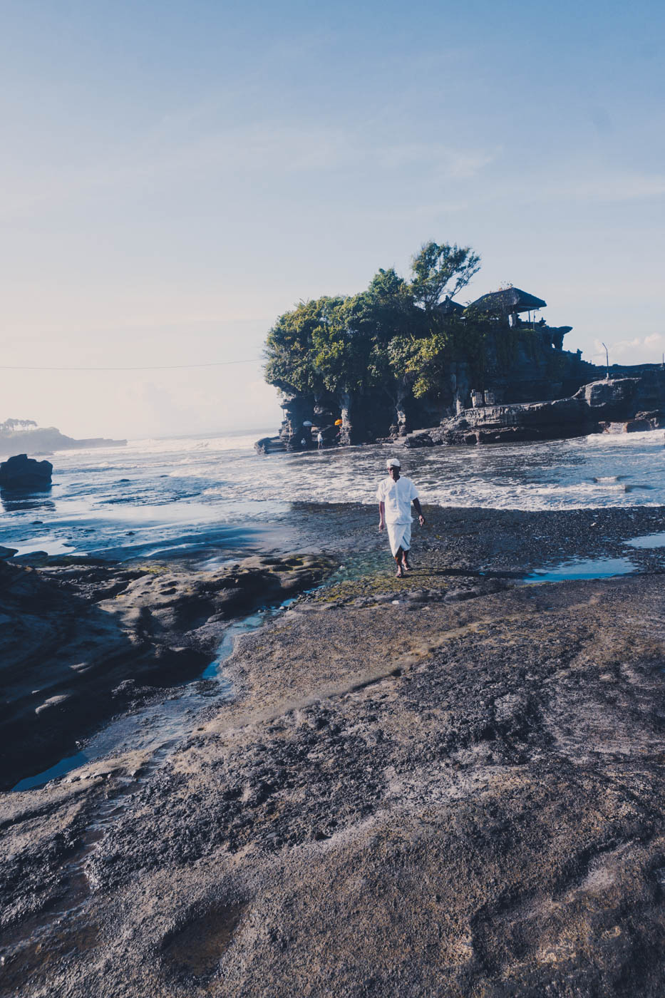 Tanah Lot Holy Sea Temple - Best Things to do in Bali. Beautiful beaches, gorgeous fashion and cultural Ubud #bali #traveldestinations #bucketlist #wanderlust