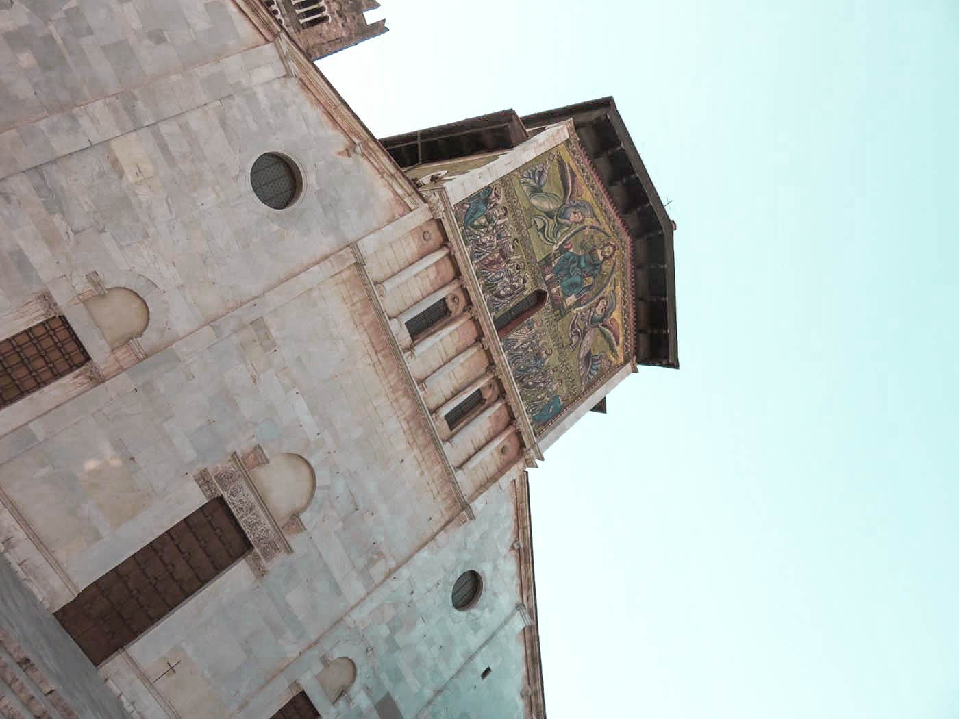 Lucca I Best Places to Visit in Tuscany - Italy Travel Guide. Awesome things to do in Tuscany include vineyard - beach and the food. #travel #traveldestinations #italytravel