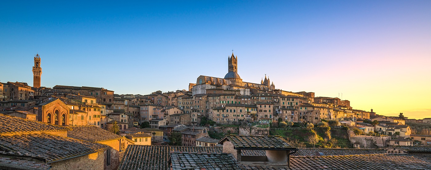 Siena Best Places to Visit in Tuscany - Italy Travel Guide. Awesome things to do in Tuscany include vineyard - beach and the food. #travel #traveldestinations #italytravel