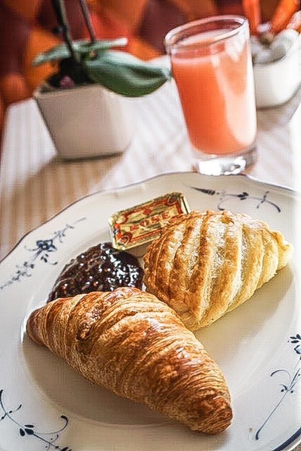 Breakfast at the Bistro de Beaux Arts