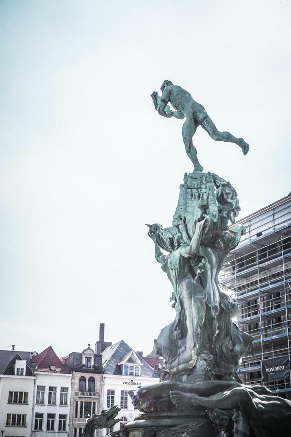 Brabo Statue in Grot Markt.