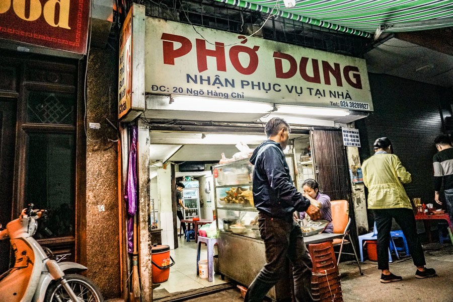 Pho Dung! Heading to Hanoi, Vietnam? A street food tour should be at the top of your list of things to do. The ultimate self-guided street food tour of the Old Quarter. Don't miss it! #travel #vietnam #food
