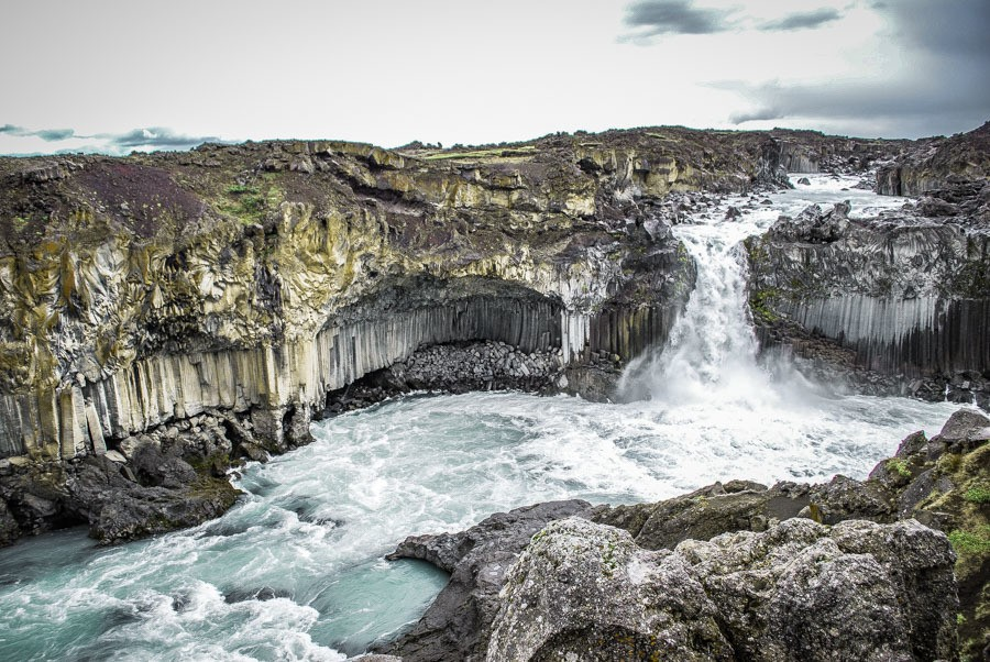 Aldeyjarfoss. 18 Iceland waterfalls that need to be seen to be believed. Photography hotspots, beautiful landscapes - don't miss them on your next trip. Complete with a map! #landscapes #photography #europe