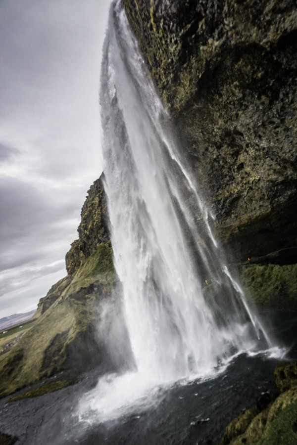 Seljalandsfoss. 18 incredible waterfalls in Iceland you need to see! Iceland is packed with beautiful places but their waterfalls are really something special. Skogafoss, Gullfoss and more - these places need to be seen to be believed. #beautifulplaces #nature #iceland