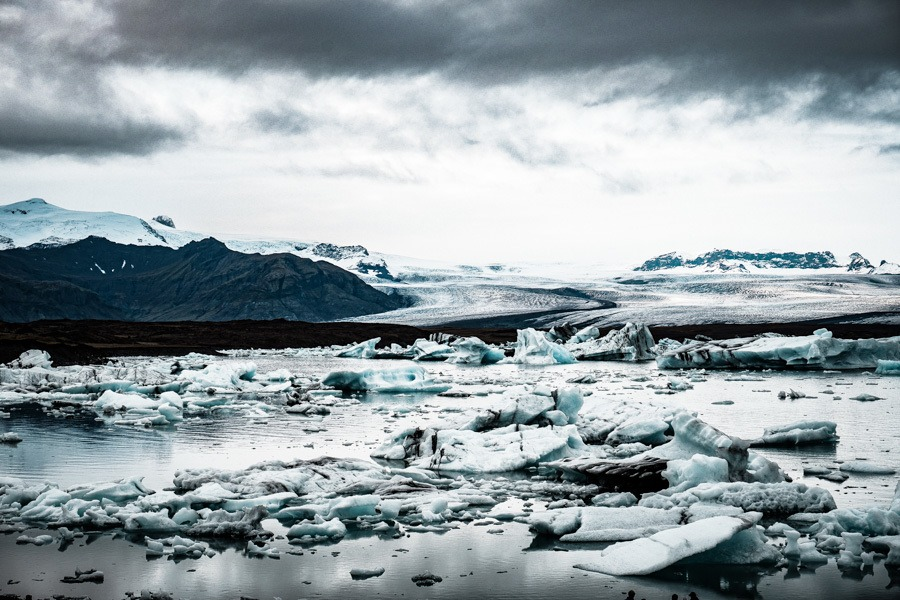 Jokulsarlon Iceland is one of the country's most beautiful places. Here's what you need to know to plan your trip  #travel #iceland #photography