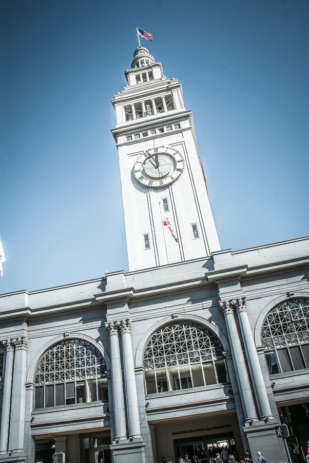 Ferry Building. 2 fun-filled days in San Francisco! Get your comfortable shoes on and lets explore the best things to do in San Francisco during a city break. #travel #california #thediscoveriesof