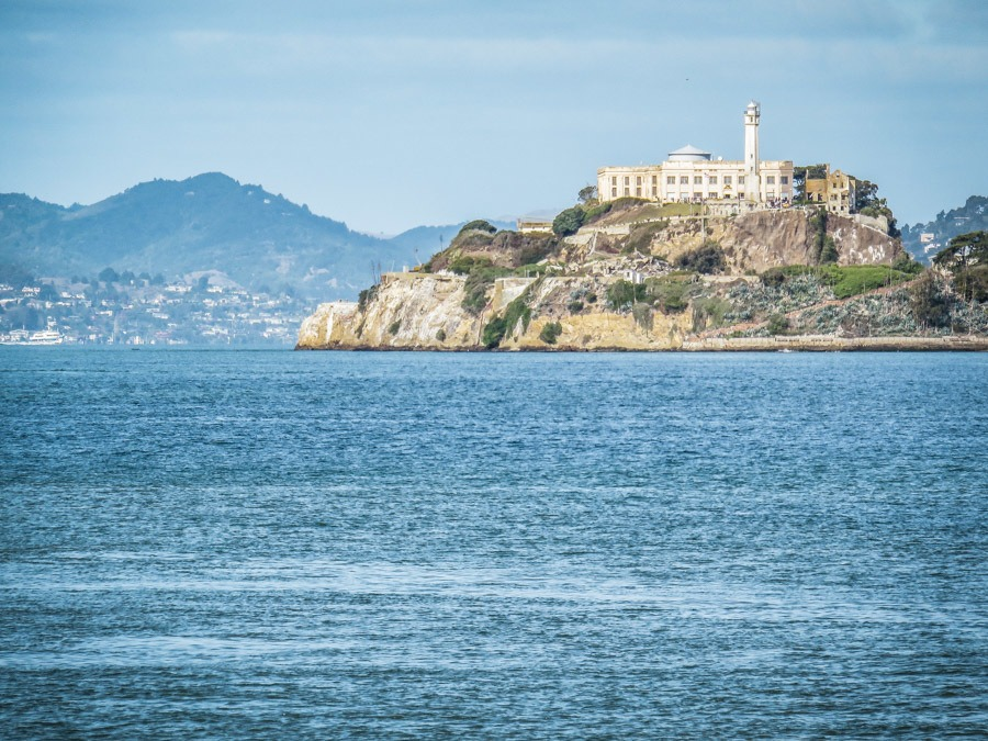 Alcatraz Prison. 2 fun-filled days in San Francisco! Get your comfortable shoes on and lets explore the best things to do in San Francisco during a city break. #travel #california #thediscoveriesof
