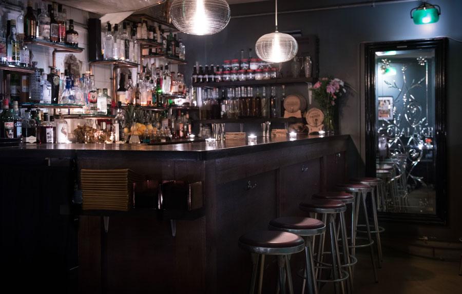 Ladies & Gents Bar