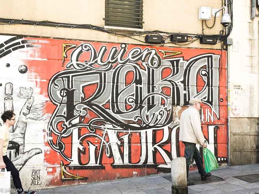 Pieces on Calle de Embajadores