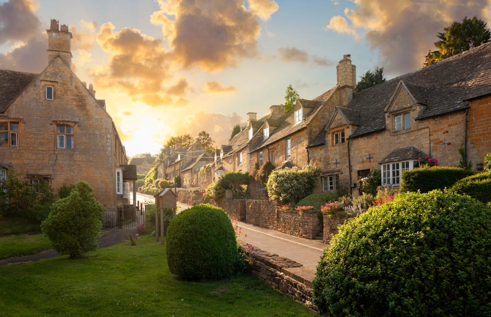Pretty Cotswolds Villages and Towns