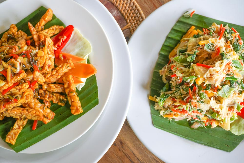 Tempeh with Balinese vegetables