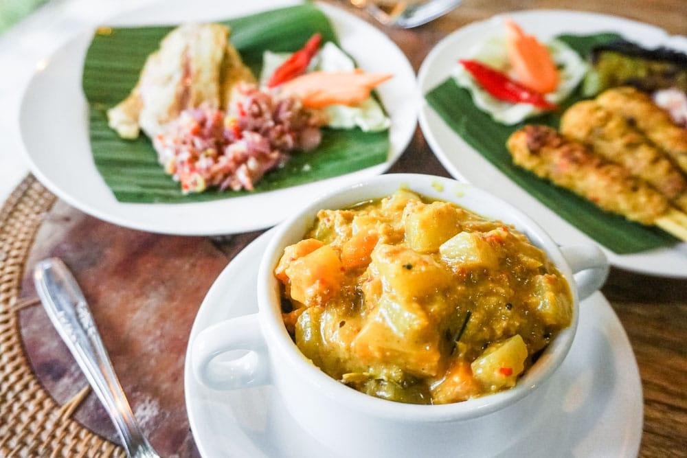 Balinese Chicken Curry (Opor Ayam)